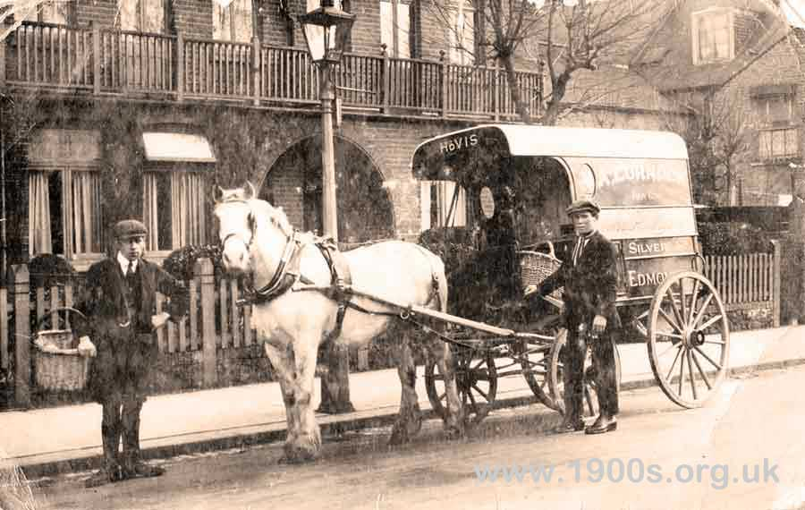 Bakers horse and wagon delivery 1929 UK