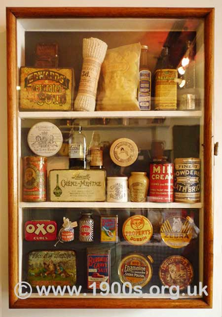 Pre-ackaging in the 1940s: tins, stone-ware jars and glass bottles