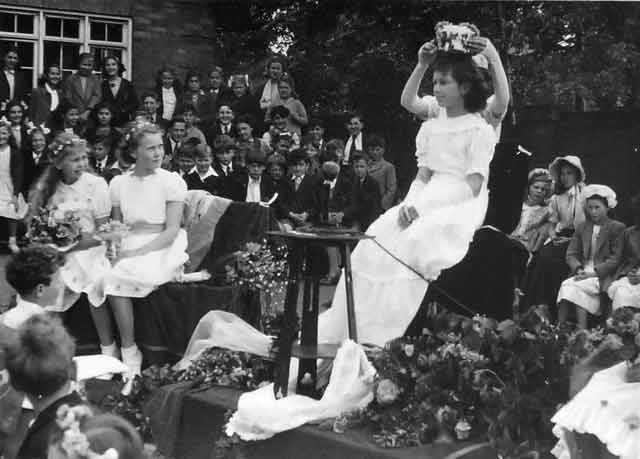 Crowning of the May Queen at Edgware Primary School, c 1947