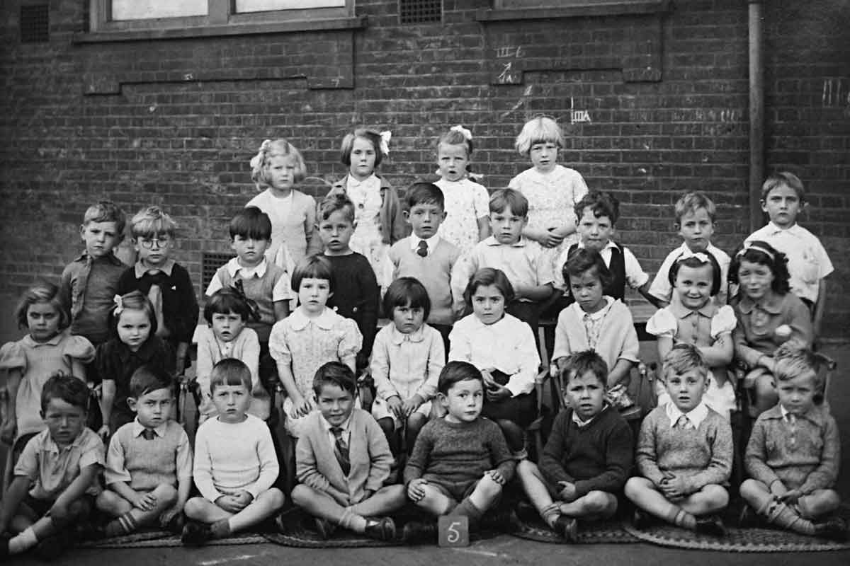 Class at Silver Street School, Edmonton, July 1938