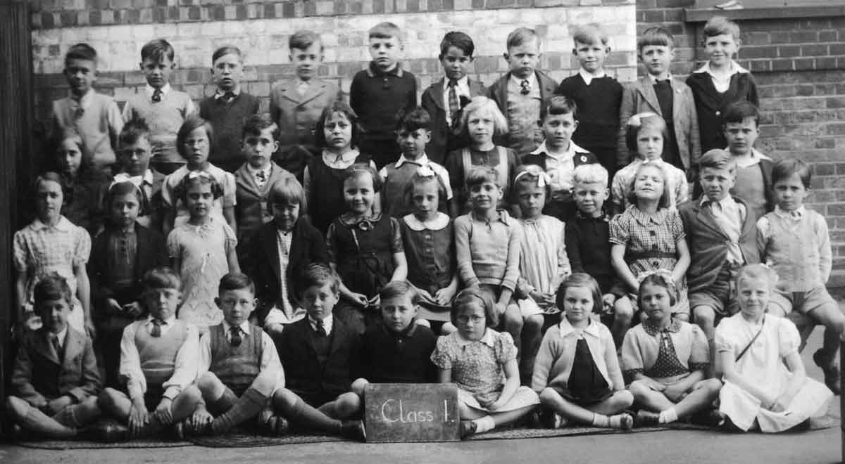 Class at Silver Street School, Edmonton, about 1944
