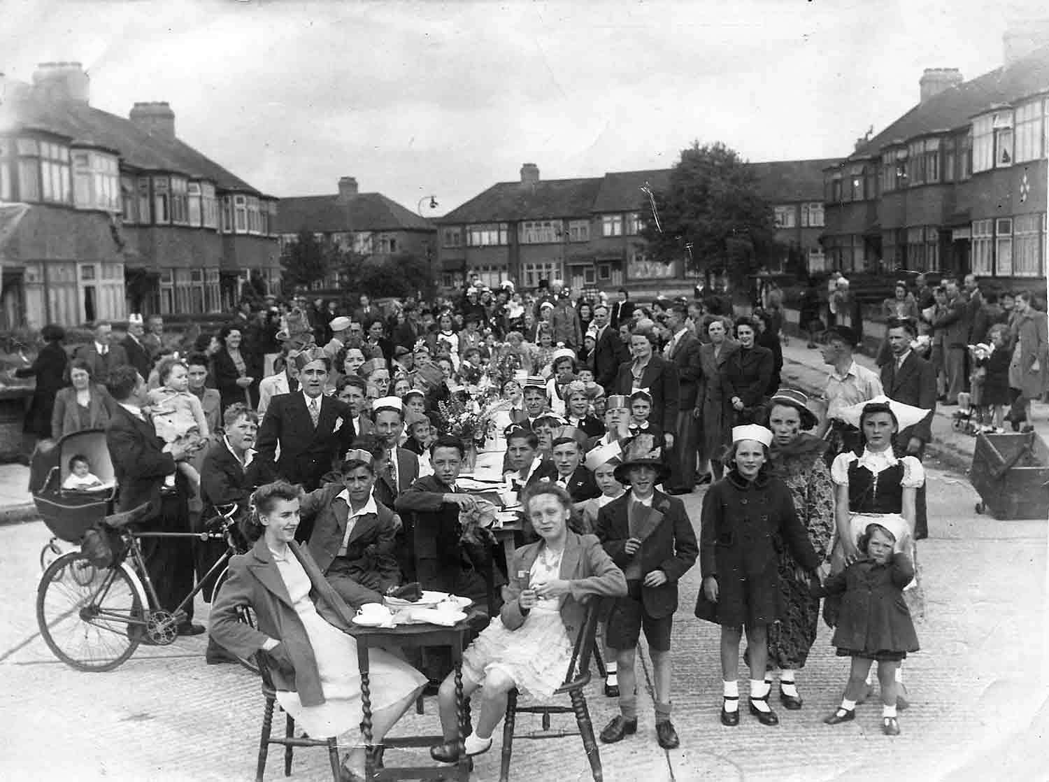 Large scale photo of WW2 VE Day peace party for the roads around Hazel Close, Edmonton, UK