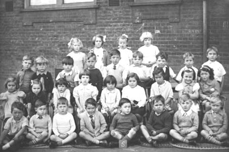 Class 5 at Silver Street School, Edmonton, 1941
