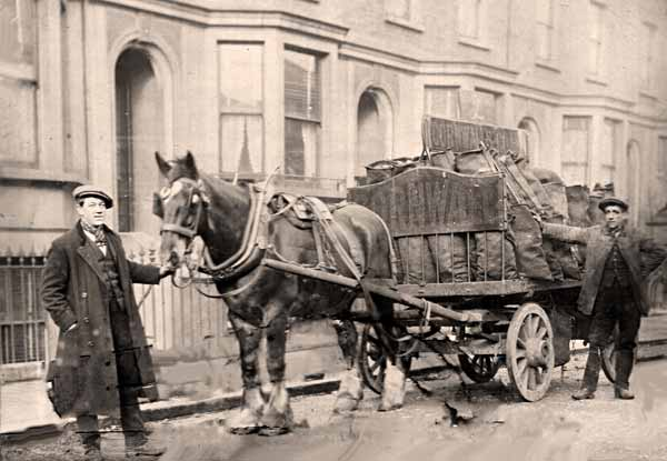 open-sided coal delivery cart, early 20th century UK