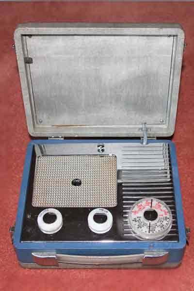 1950s radio: Pye Jewel case, battery, thumbnail