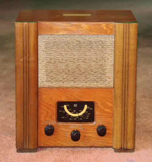 1944 radio: Wartime Civilian Receiver, thumbnail